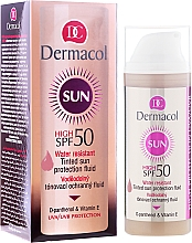 Düfte, Parfümerie und Kosmetik Wasserdichtes Gesichtsfluid mit D-Panthenol & Vitamin E SPF 50 - Dermacol Sun WR Tinted Sun Protection Fluid SPF50