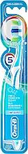 Düfte, Parfümerie und Kosmetik Zahnbürste mittel Complete 5 Way Clean hellblau-weiß - Oral-B Complete 5 Way Clean 40 Medium