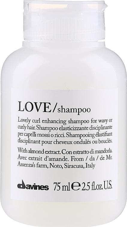 Pflegendes Shampoo für lockiges Haar - Davines Love Curl Enhancing Shampoo