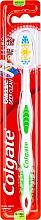 Düfte, Parfümerie und Kosmetik Zahnbürste mittel Classic Deep Clean grün-weiß - Colgate Classic Deep Clean