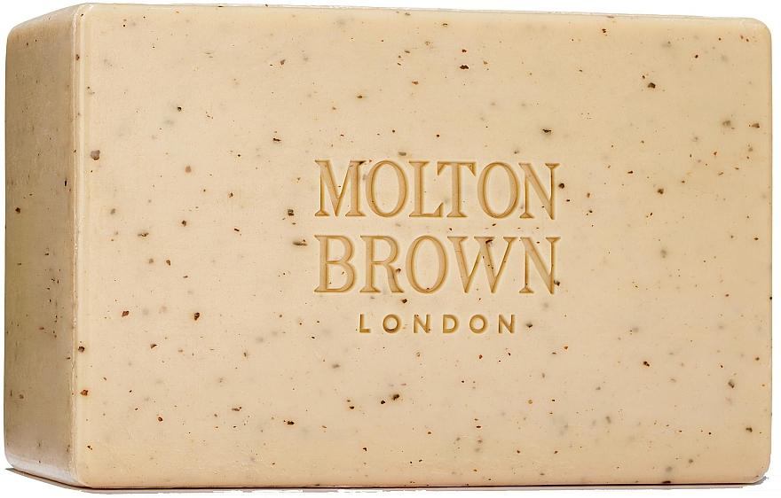 Molton Brown Re-Charge Black Pepper - Peelingseife mit schwarzem Pfeffer — Bild N1