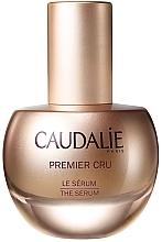 Düfte, Parfümerie und Kosmetik Anti-Aging Gesichtsserum gegen Falten und Pigmentflecken - Caudalie Premier Cru The Serum