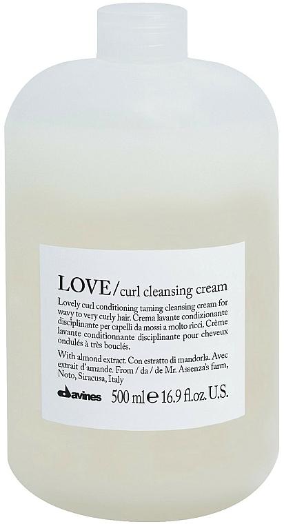 Feuchtigkeitsspendendes Shampoo für lockiges Haar - Davines Love Curl Cleansing Cream
