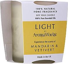 Düfte, Parfümerie und Kosmetik Soja-Duftkerze im Glas Mandarine- und Vetiverduft - AromaWorks Light Range Mandarin & Vetivert Candle