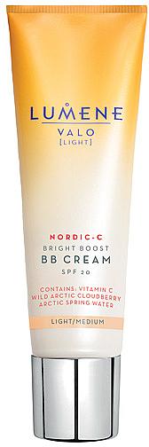 Aufhellende BB Creme mit Vitamin C und aktischer Moltebeere LSF 20 - Lumene Valo Bright Boost BB Cream SPF20