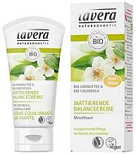 Düfte, Parfümerie und Kosmetik Mattierende Gesichtscreme mit grünem Tee - Lavera Matting Cream